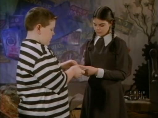 File:The.new.addams.family.s01e43.my.son,the.chimp020.jpg
