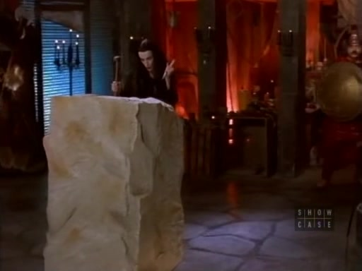 File:The.new.addams.family.s01e35.morticia,the.sculptress025.jpg
