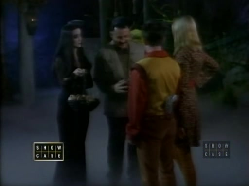 File:The.new.addams.family.s01e38.close.encounters.of.the.addams.kind070.jpg