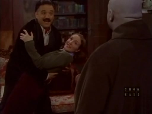 File:The.new.addams.family.s01e18.gomez,the.reluctant.lover072.jpg