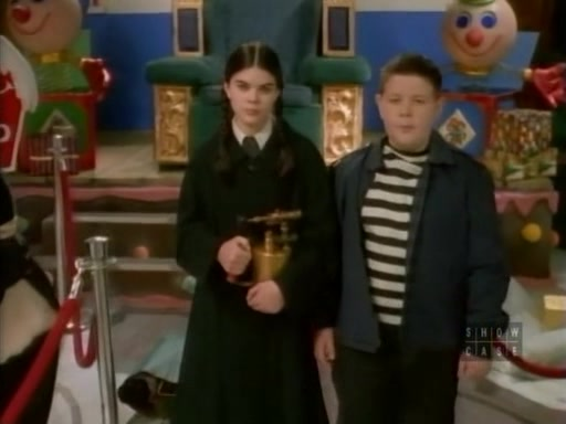 File:28. Christmas with the Addams Family 044.jpg