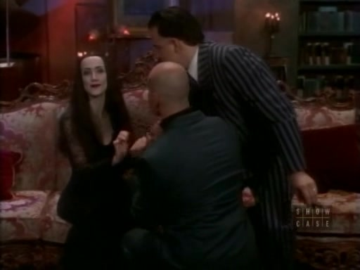File:The.new.addams.family.s01e19.the.winning.of.morticia.addams061.jpg