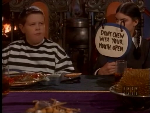 File:The.new.addams.family.s01e31.gomez,the.cat.burglar045.jpg