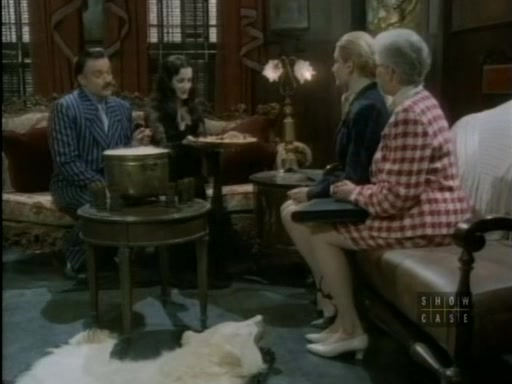File:The.new.addams.family.s01e02.the.addams.family.goes.to.school080.jpg