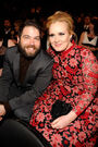 Adele simon konecki 2013 grammy awards backstage audience celebrities 18hitv0-18hiu0a