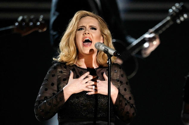 File:Adele - Rolling in the Deep (Live at the Grammys