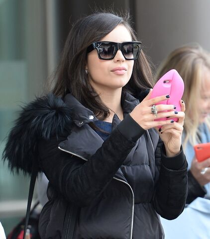 File:Sofia-carson-out-and-about-in-media-city-manchester-01.jpg