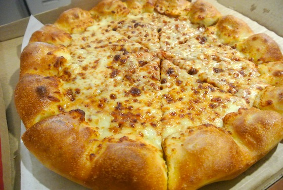File:Pizzahutstuffedcrust2.jpg