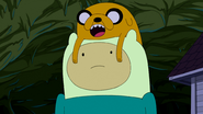 S5e14 Jake on Finn's head