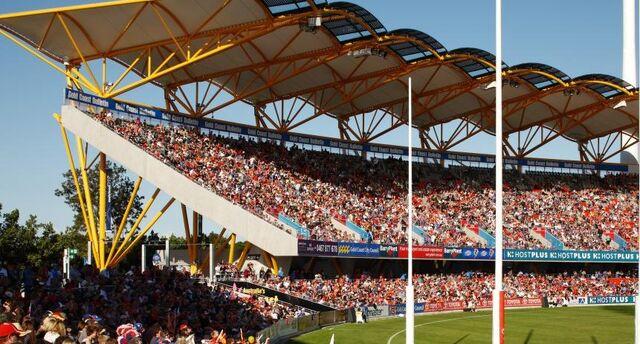 File:Carrara Stadium 4.jpg