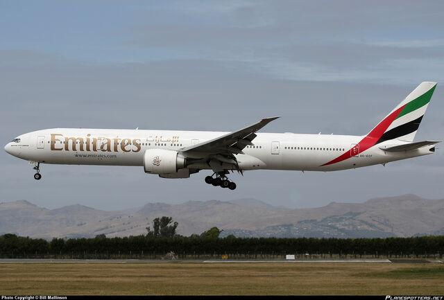 File:A6-ECF-Emirates-Boeing-777-300 PlanespottersNet 249873.jpg
