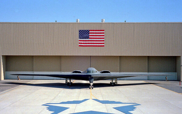 File:800px-B2 bomber initial rollout ceremony 1988.jpg