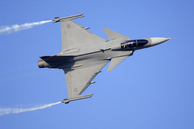 File:Air jas-39 gripen top smokewinders lg1.jpg
