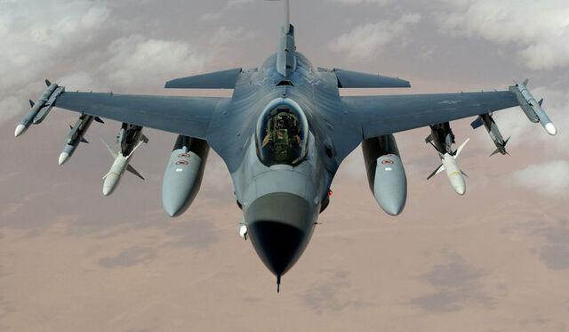 File:800px-F-16 Fighting Falcon.jpg