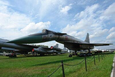 800px-SU-100 T4
