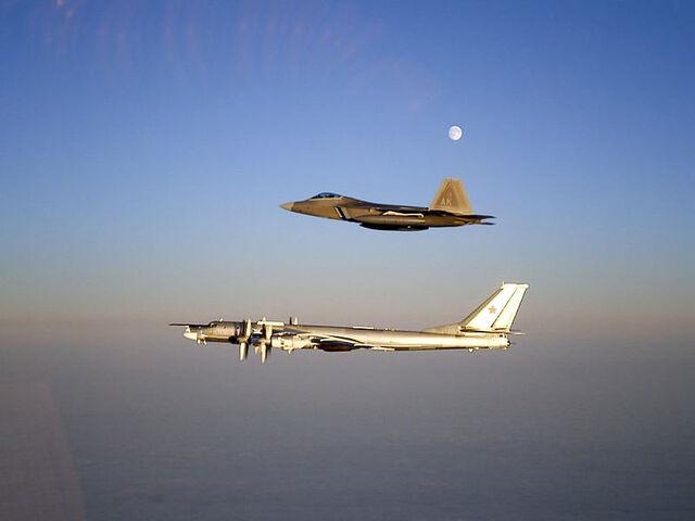 File:800px-Raptor and TU-95.jpg