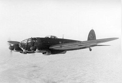 Bundesarchiv Bild 101I-647-5211-33, Flugzeug Heinkel He 111