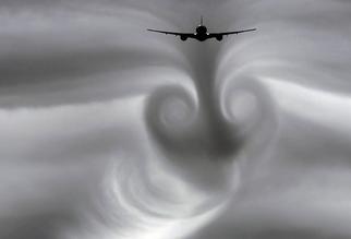 Boeing-777-wake-turbulance