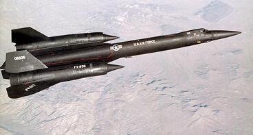 800px-YF-12 in flight