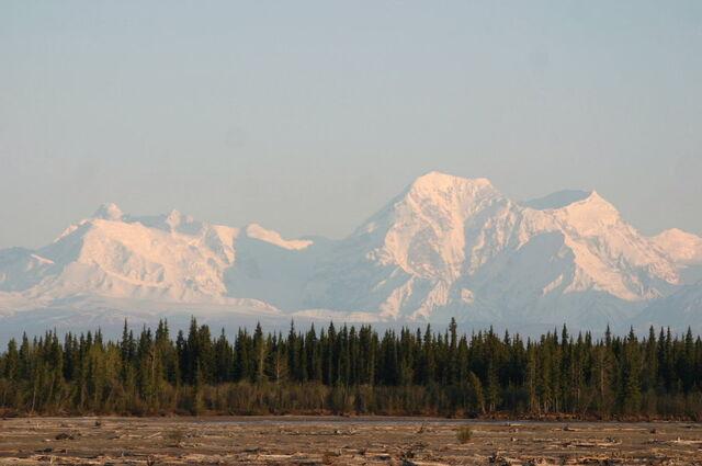 File:AlaskaRangeFairbanks.jpg