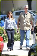 Jennifer-garner-alexander-set-with-steve-carell-01