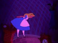 Alice-in-wonderland-disneyscreencaps.com-596