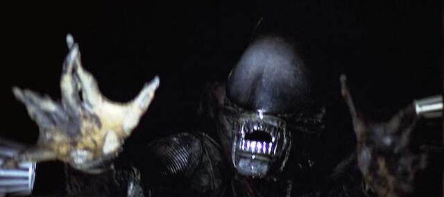 File:Alien in airshaft.jpg