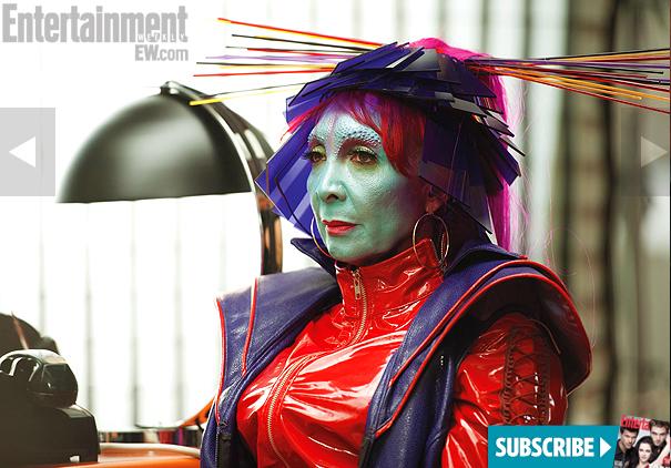 File:Blue Skinned Aliens.jpg
