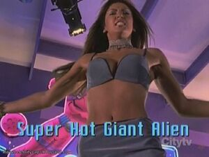 Super Hot Giant Alien