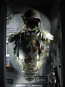 File:220px-aliens suit from the movie aliens.JPG