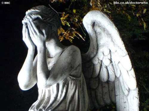 File:Weeping angel.jpg