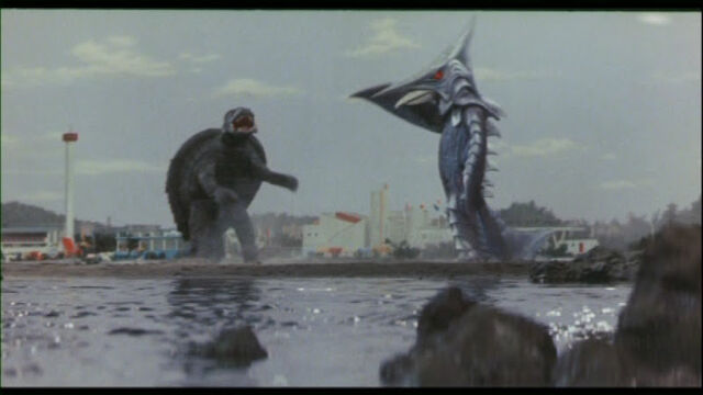 File:Gamera clashes once again with Zigra..jpg
