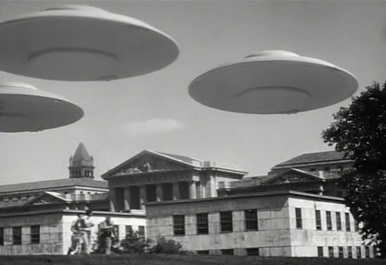 File:FlyingSaucers.jpg