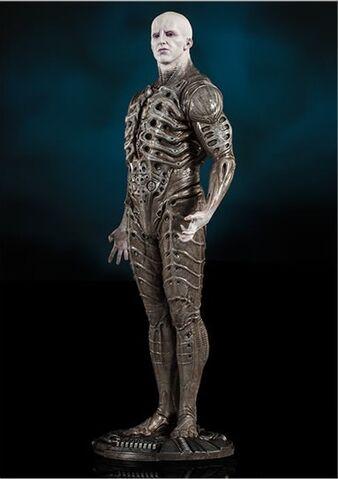 File:Prometheus- Pressure Suit2.jpg