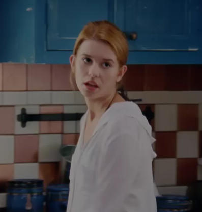 File:Amber in the kitchen.png