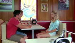 Amber apologizes to Zoey