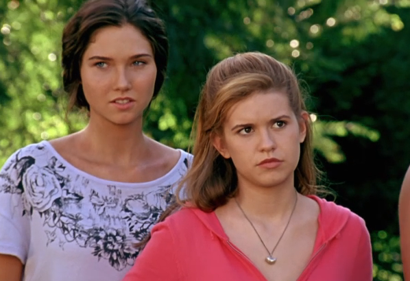 File:Amber and Kiki watch Brandon and Luca.png