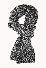 File:Comfy Black and White Cable Knit Scarf.jpg