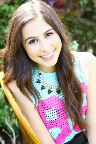 File:Lauren Cimorelli as Kylie Fergurson.jpg