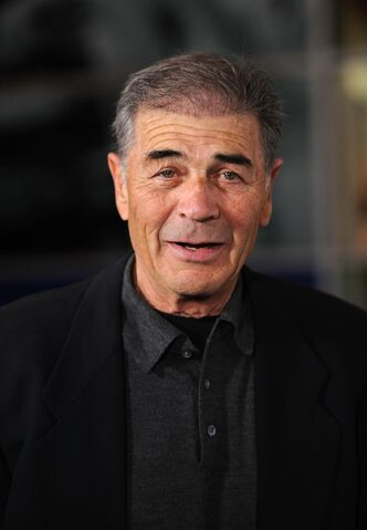File:Robert-forster-in-girl-walks-into-a-bar-large-picture-number-1.jpg