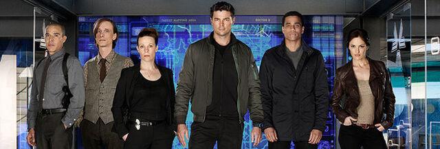 File:Almost Human Wiki - Cast Portal Season-1 001.jpg