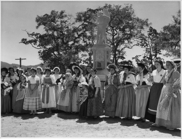 File:Queensland State Archives 6764 Women in costume in front of the sugar pioneers memorial Innisfail 4 October 1959.png