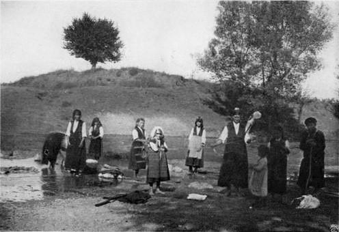 File:Bulgarian Laundresses (W Le Queux).jpg