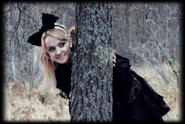 File:Madam Morbid Photoshoot Bemidji MN Gothic Lolita (3).jpg