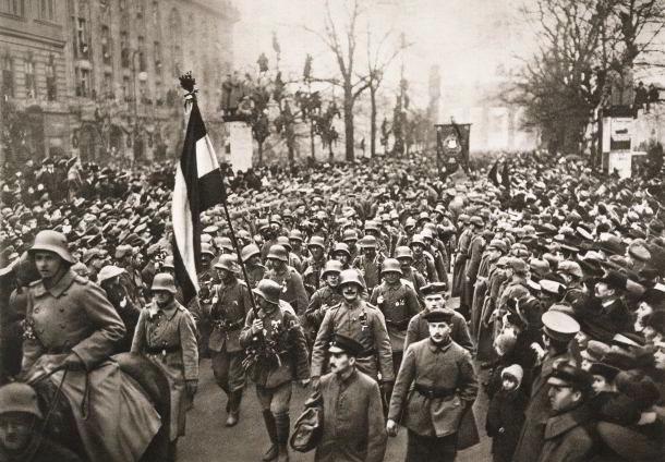 File:Versailles troops.jpg