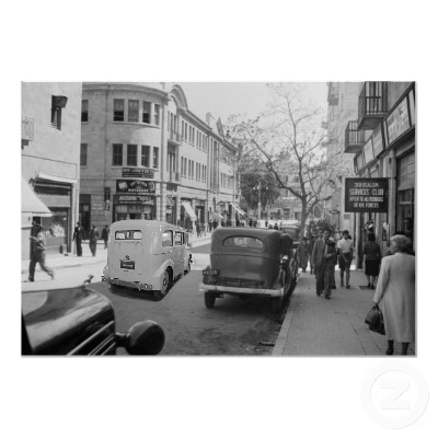 File:Electric car town 1940s.png