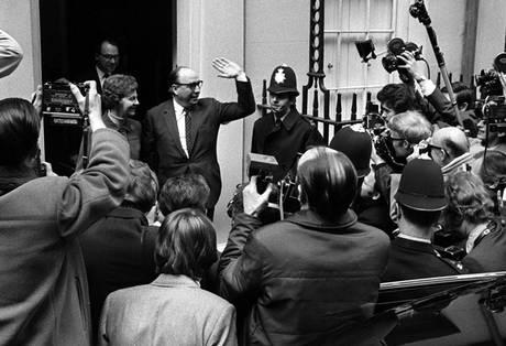 File:Roy Jenkins downing.jpg