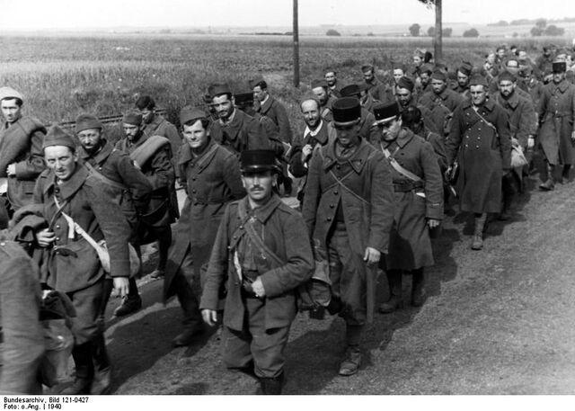 File:Bundesarchiv Bild 121-0427, Französische Kriegsgefangene.jpg