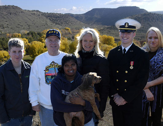 File:McCain with family.jpg