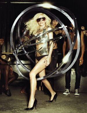 Ladygaga-tourimage-1-